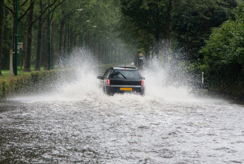 Dirving through water safely